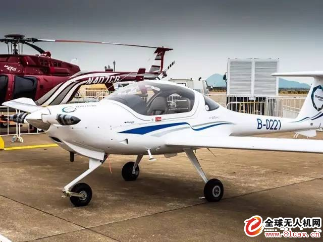 2016年11月1日-6日,第十一届中国国际航空展将在中国·珠海国际航展中心盛大举办。届时,中电科芜湖钻石飞机制造有限公司单发双座DA20飞机和自主生产制造的双发四座DA42-VI飞机,将亮相珠海航展,欢迎各界航空爱好者前来观看!