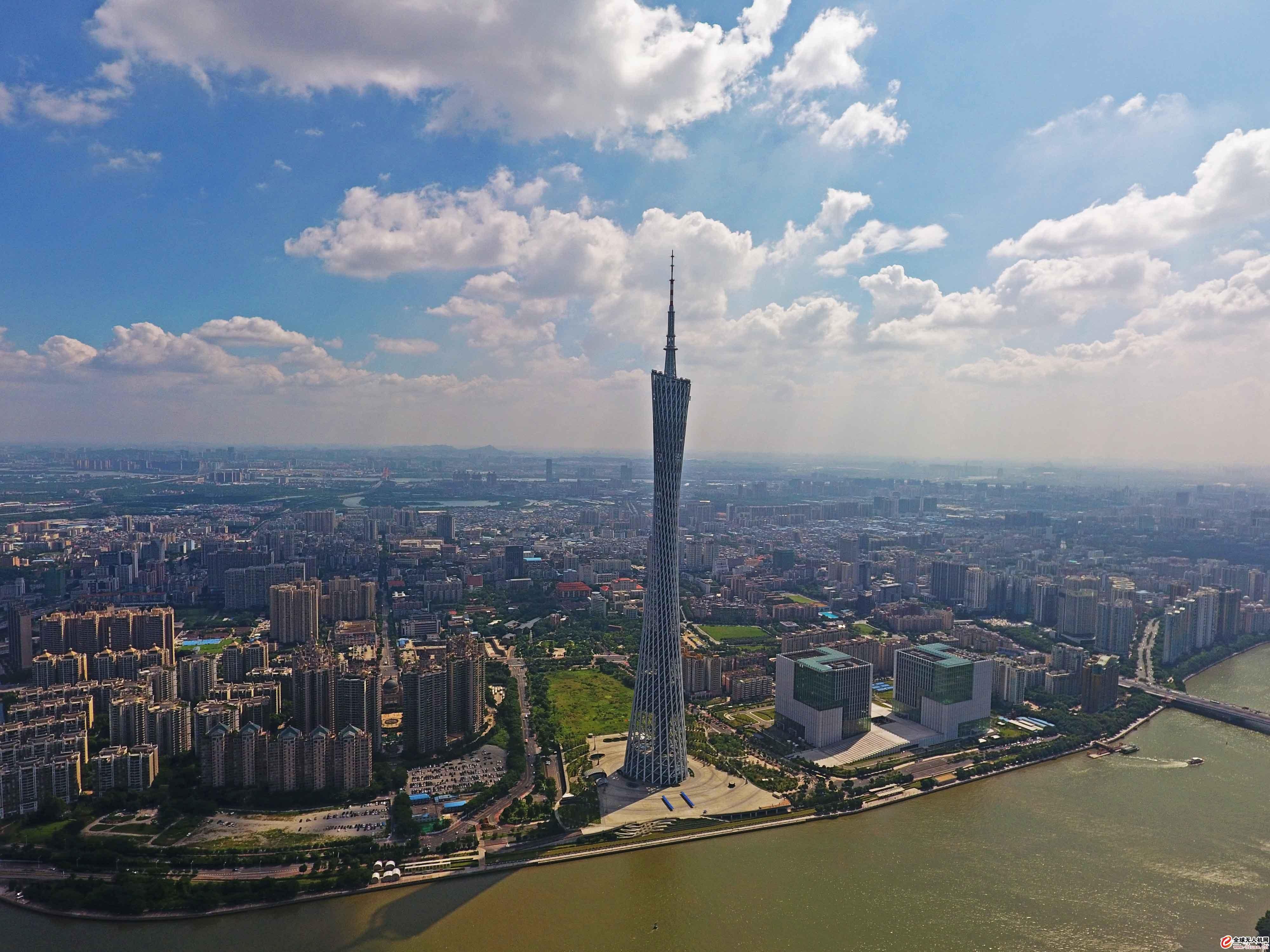 珠江边上的广州塔——小蛮腰