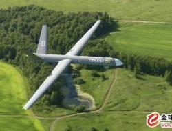 """俄罗斯推出""""猎户座""""大型无人机MAKS-2015 尚不"""