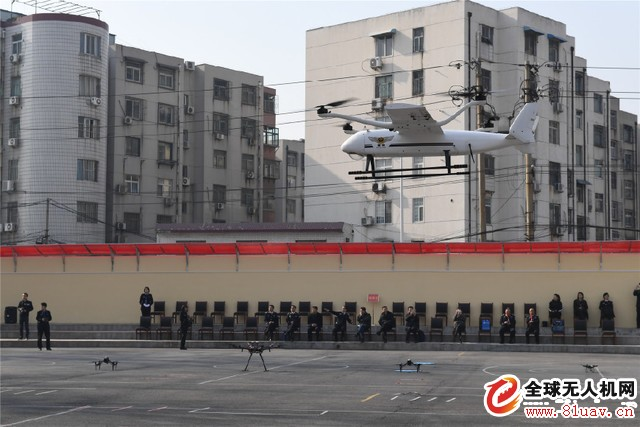 郑州一警校配百架无人机 组成无人机班