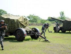 真人CS与无人机 国防教员培训班在宁举行